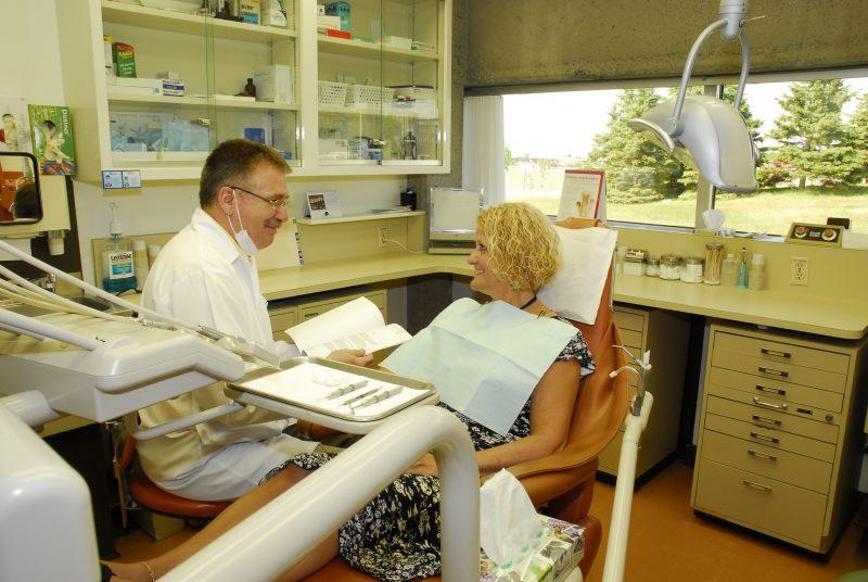 Les professeurs reçoivent des patients