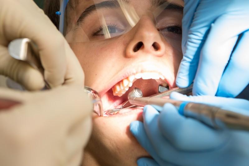 des soins dentaires de qualité à prix avantageux