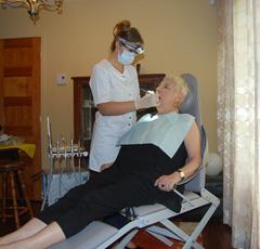 soins à domicile offert aux personnes âgées