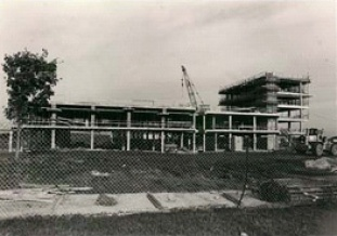Pavillon de médecine dentaire en construction en 1970