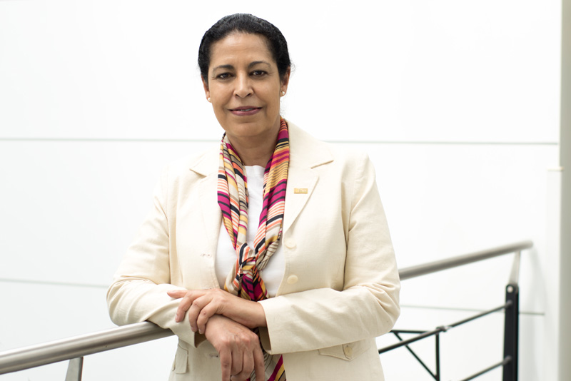 la professeure et vice-doyenne Fatiha Chandad