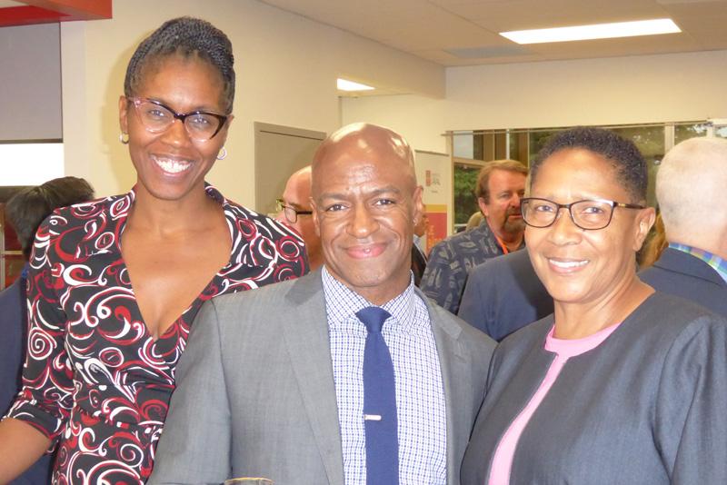 Stephanie Brooks-Maynard, Bryan Cook et Carolyn Booker, tous de l'American Dental Education Association (ADEA)