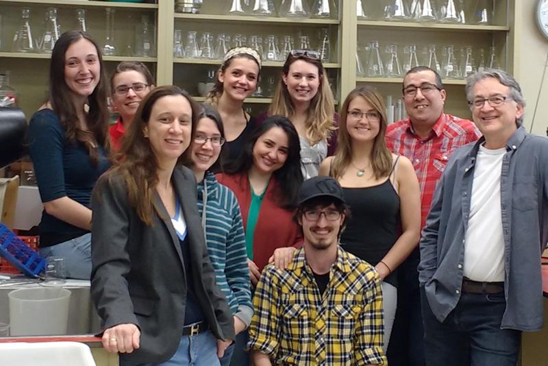 L'Équipe du laboratoire du Dr Grenier