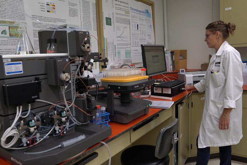 chercheuse au laboratoire